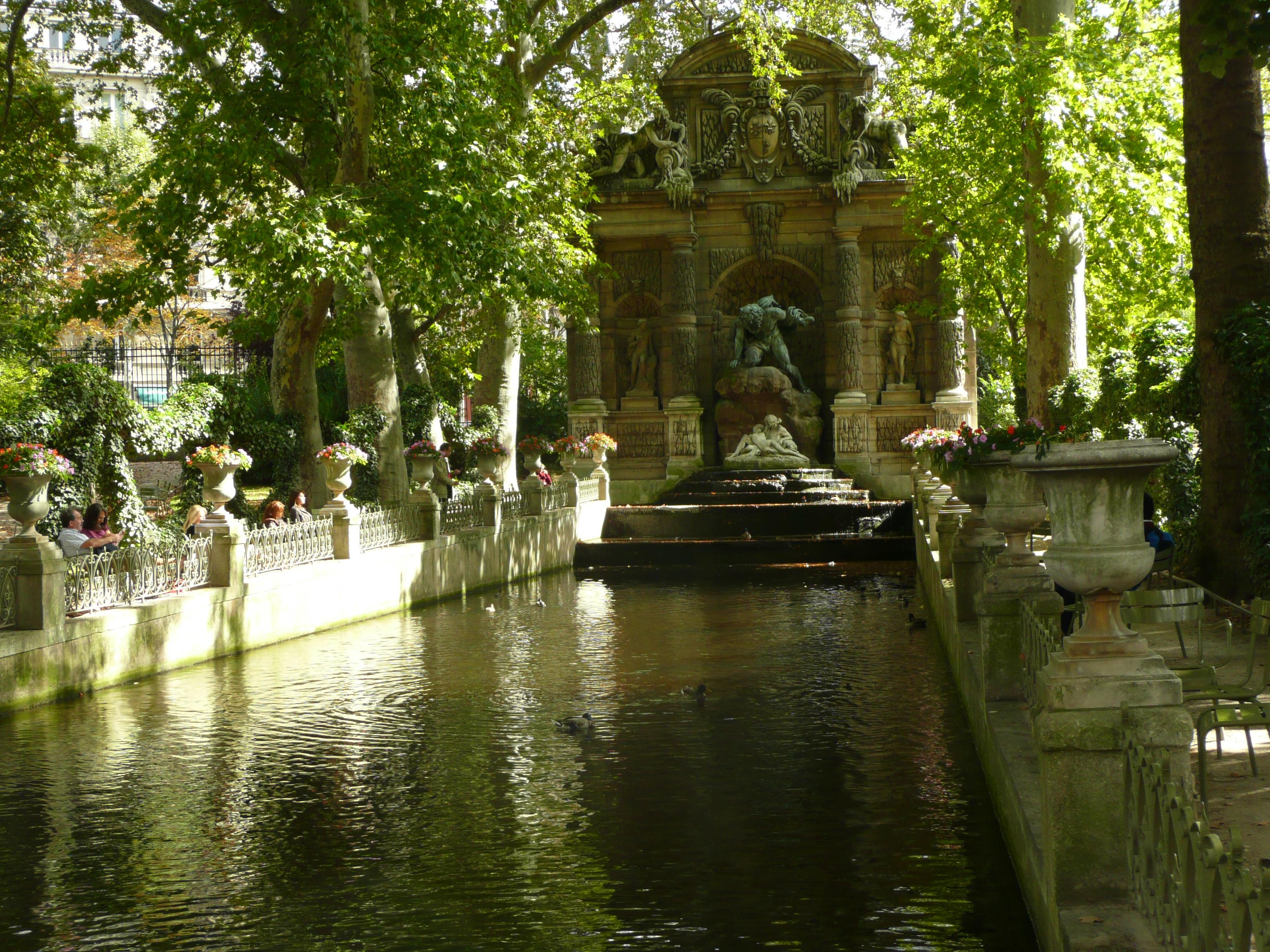 Visite les femmes au jardin du luxembourg de marie de for Jardins anglais celebres