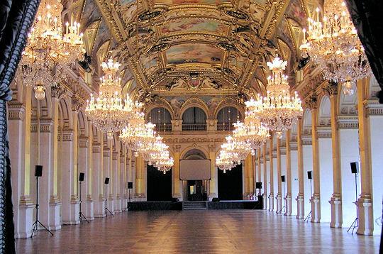 Visite splendides salons de l 39 hotel de ville hotel de for Salon de la piscine paris