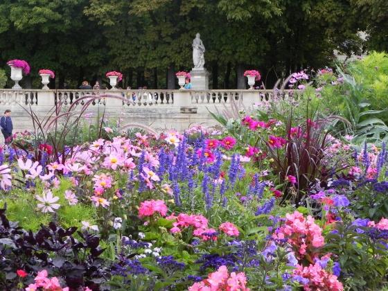 Visit visite du jardin du luxembourg cycle des reines for Visite de jardins en france